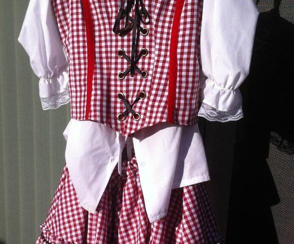 Dansmarietje Dirndl maat S (3)