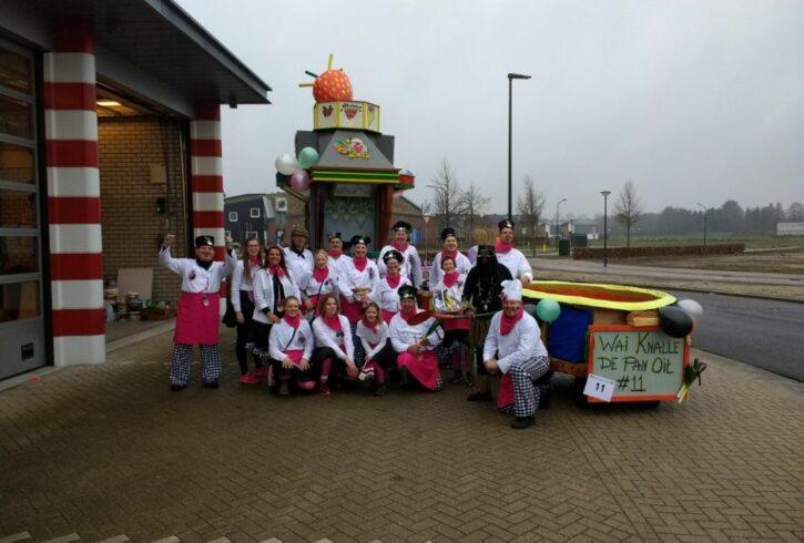 Carnavals wagen groep