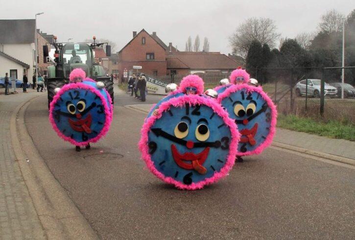 carnavalskleding klokken